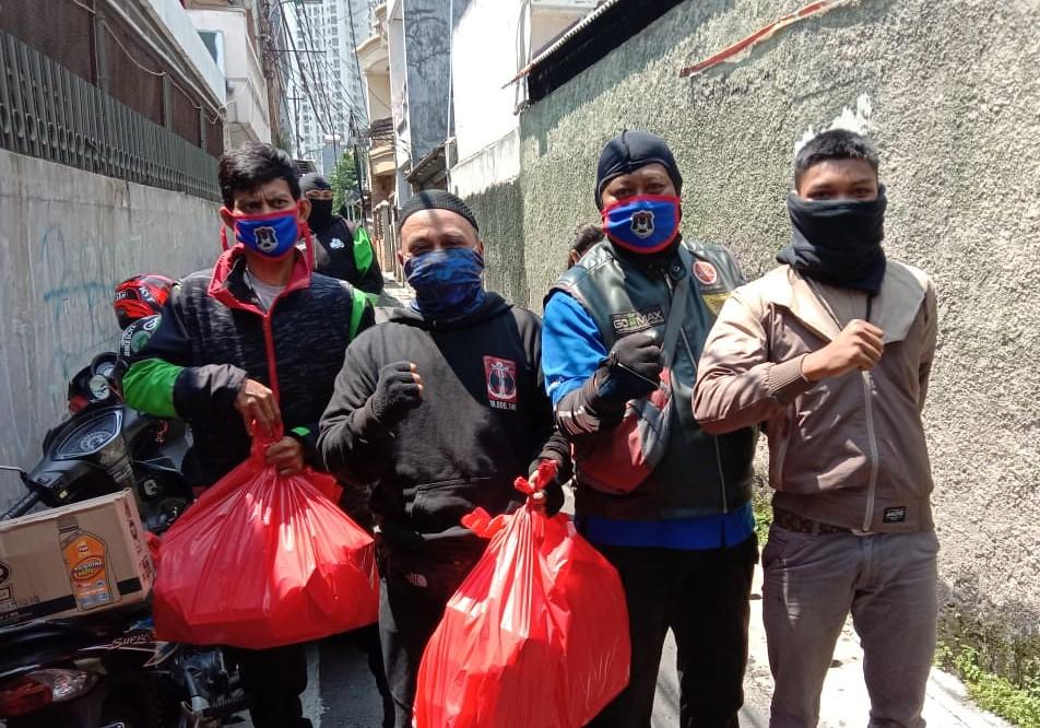 Gomax Riders ( Gojek Nmax ) Riders Peduli dalam masa Pandemi Berbagi