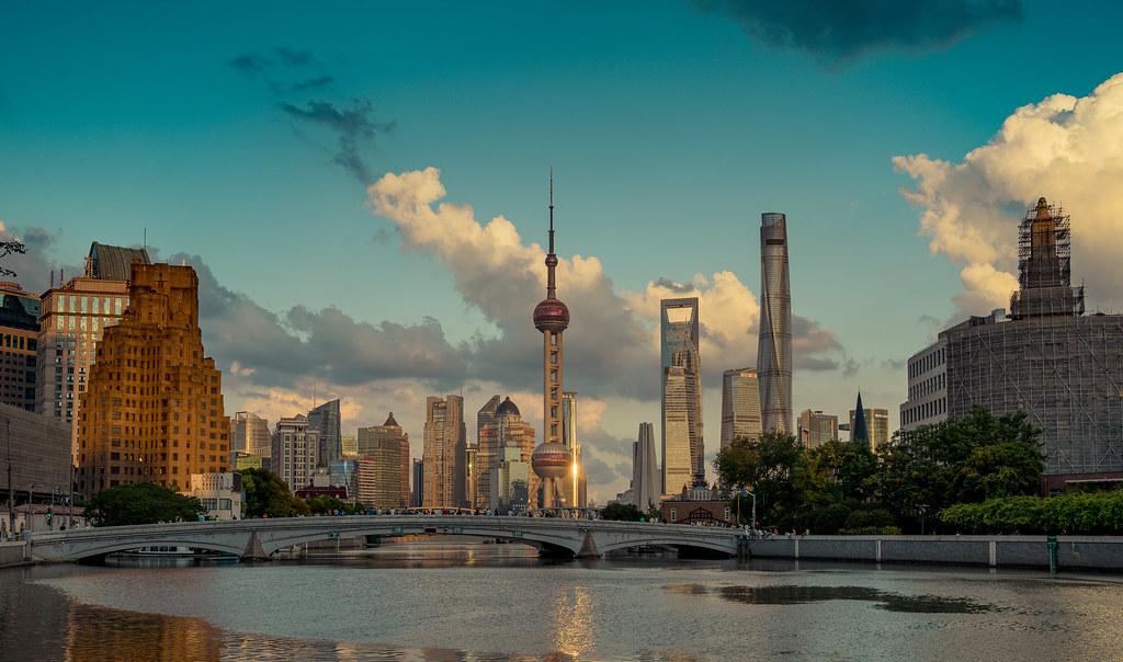 Una vista de Pudong en Shanghai que no es la usual. en Urbana y Arquitectura49994776667_c33f4b39ca_b