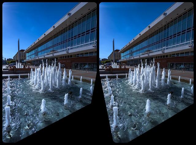 Fountain in Dresden 3-D / Crossview / Stereoscopy