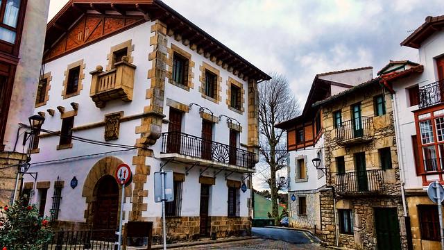 Plaza de Plentzia - Explore