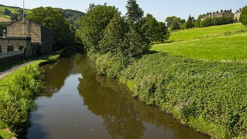 Westwards along the Rochdale Canal from Longbottom Bridge