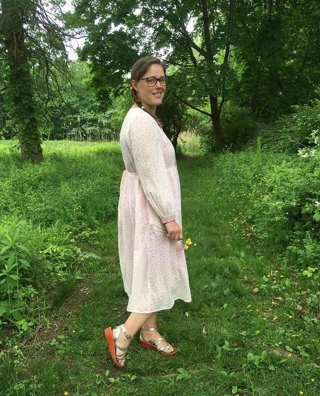 Last Summer's Favorite Dress Pattern Revisited:  Simplicity 8689 in Cotton Gauze