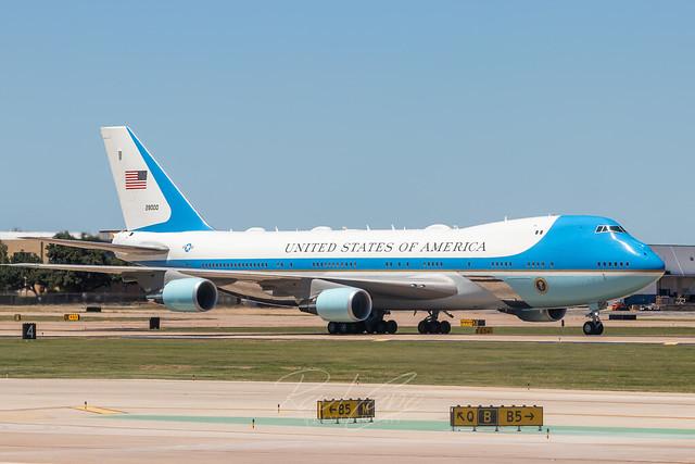 VC-25A 82-8000 at Dallas Love Field 11June2020