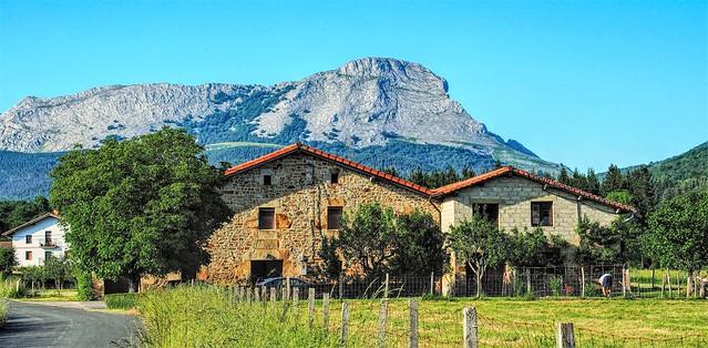 Un caserio en Oleta,  ( Alava ).
