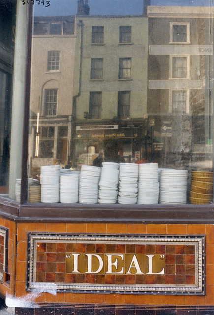 Ideal, Cafe, London Rd Newington, 1987 TQ3179-014