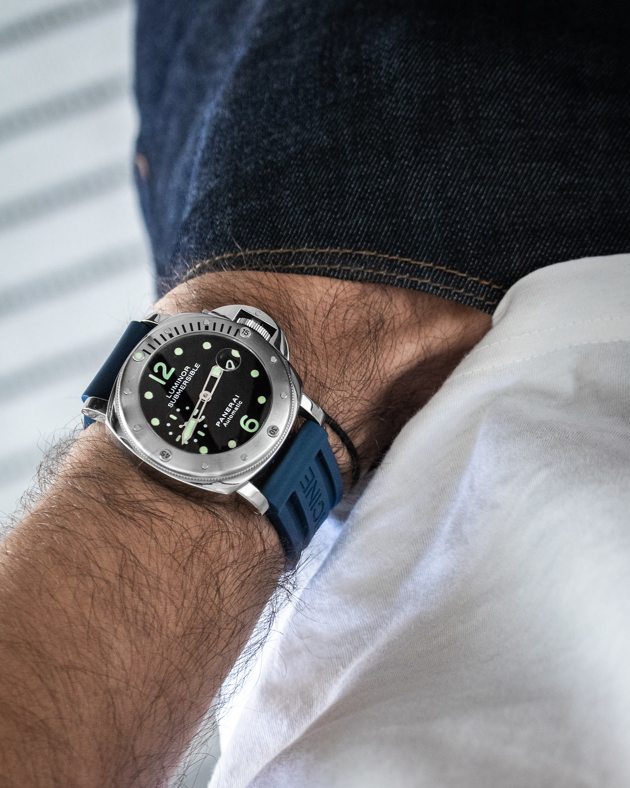 Panerai Submersible blue rubber strap