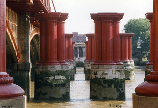 Bridge Piers, River Thames, Blackfriars,1987 TQ3180-002