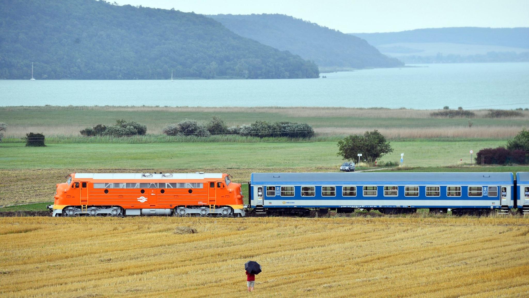 Újra itt az Aranyhíd: naponta lesz vonat Szeged és a Balaton között