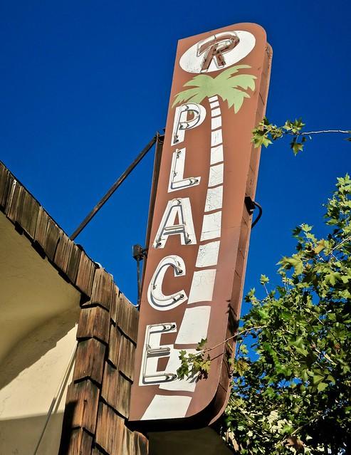 R Place, Pasadena, CA