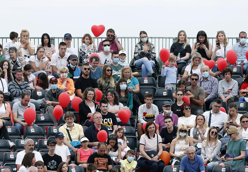 Novak Djokovic舉辦的賽事看台上觀眾聚集。(達志影像)