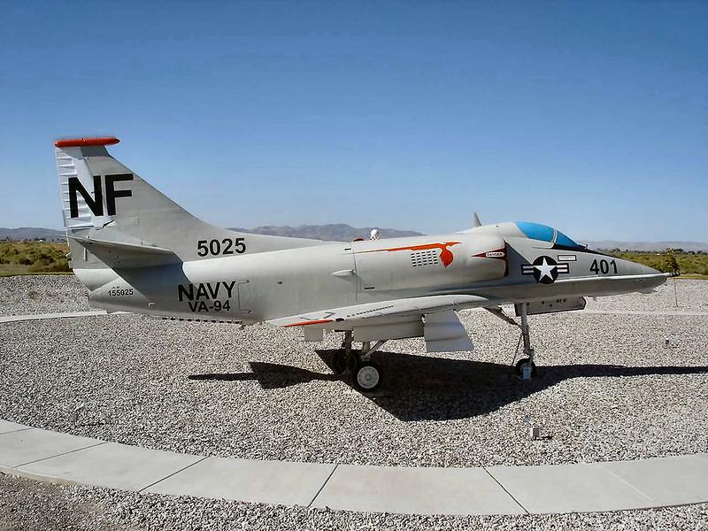 Douglas A-4F Skyhawk 3