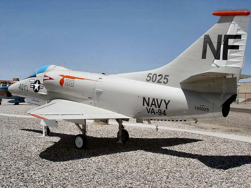 Douglas A-4F Skyhawk 2