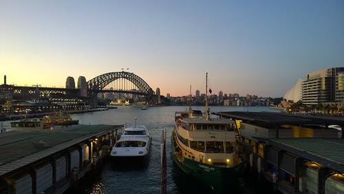 Sydney, September morning, 2000 : The Ken Done Gallery