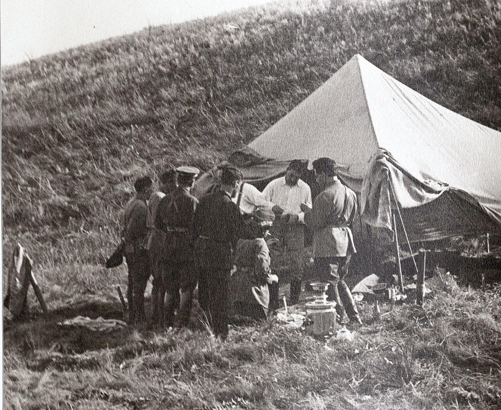 54. Походный лагерь в Сальских степях. И.В. Сталин. Август 1933