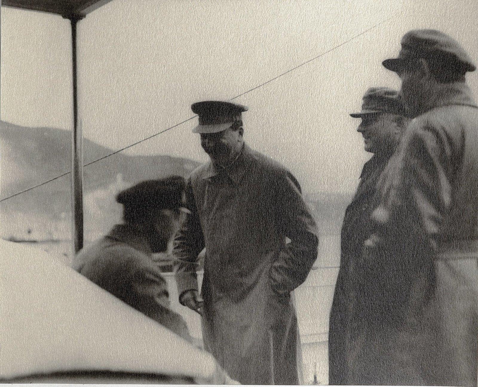 39. И.В. Сталин, К.Е. Ворошилов, Н.С. Власик, К.В. Паукер на теплоходе. Август 1933