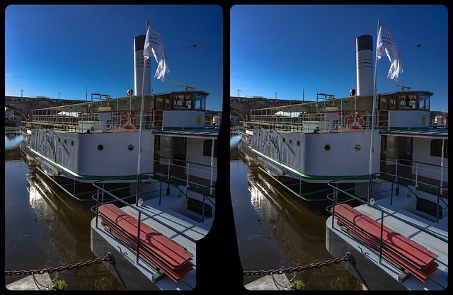 Steam boat »Dresden« 3-D / CrossView / Stereoscopy