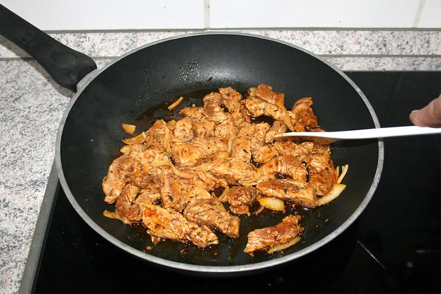 48 - Putengyros scharf anbraten / Sear turkey gyros