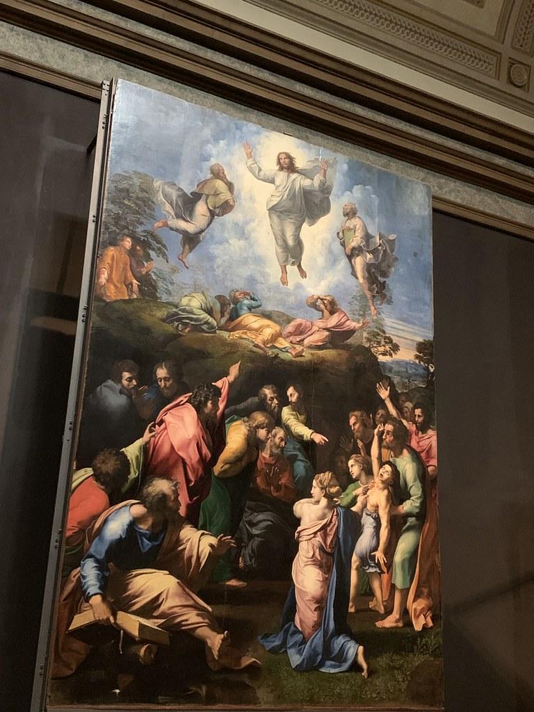 """Pinacoteca Vaticana, Musei Vaticani, Citta del Vaticano : The masterpiece, """"The Transfiguration"""", by Raffaello Sanzio da Urbino, better known as Raphael"""