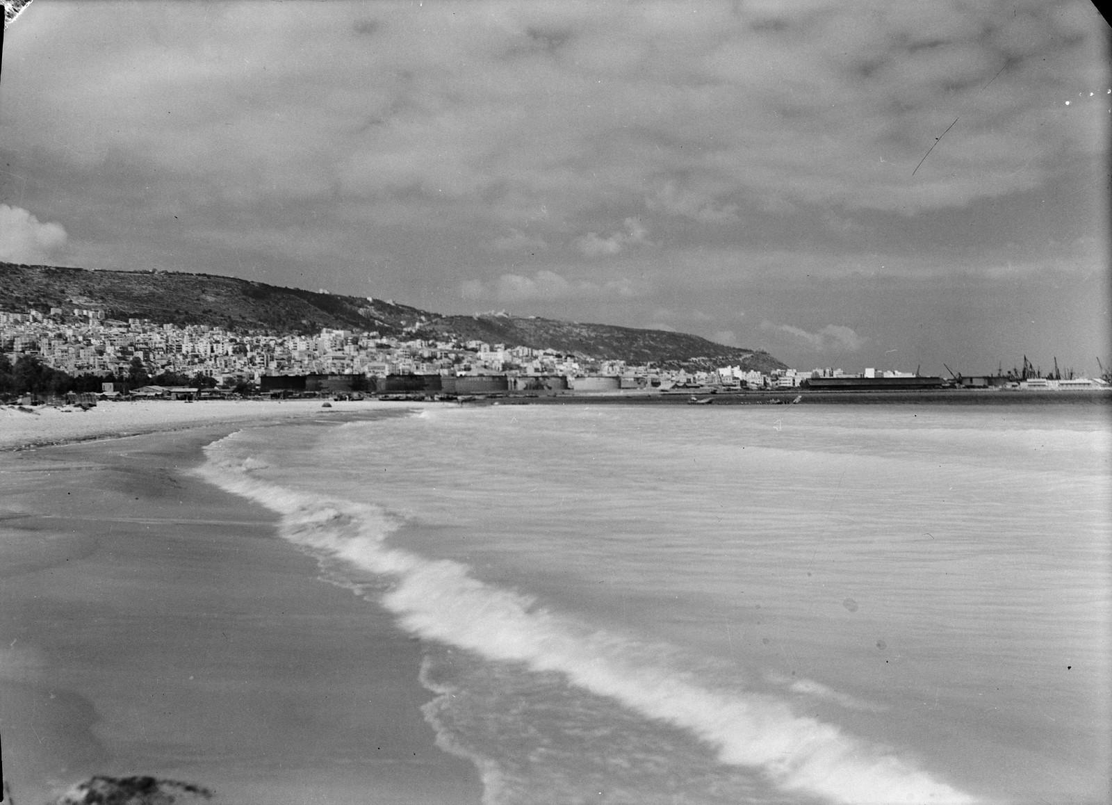Хайфа и гора Кармель с пляжа