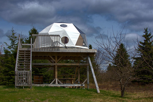 Eagle Dome with hot tub at Cabot Shores