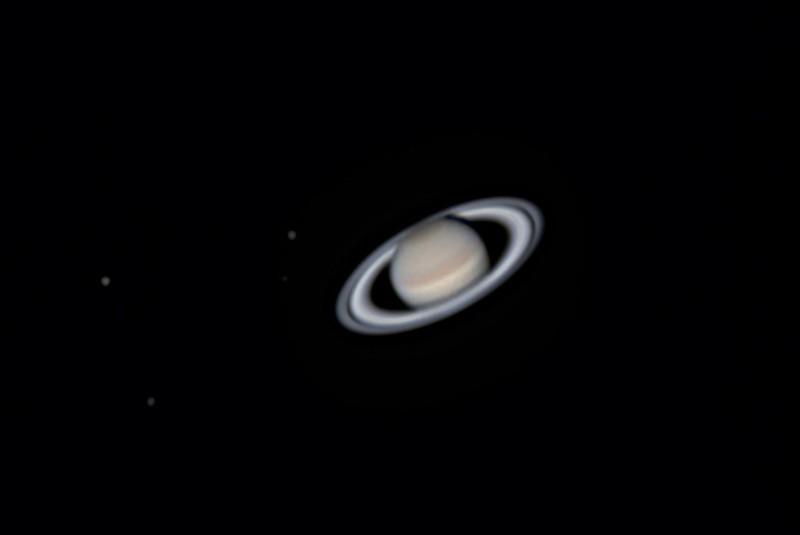 土星と衛星 (2018/4/29 01:40) (撮影:けむけむ、画像処理:なんば)