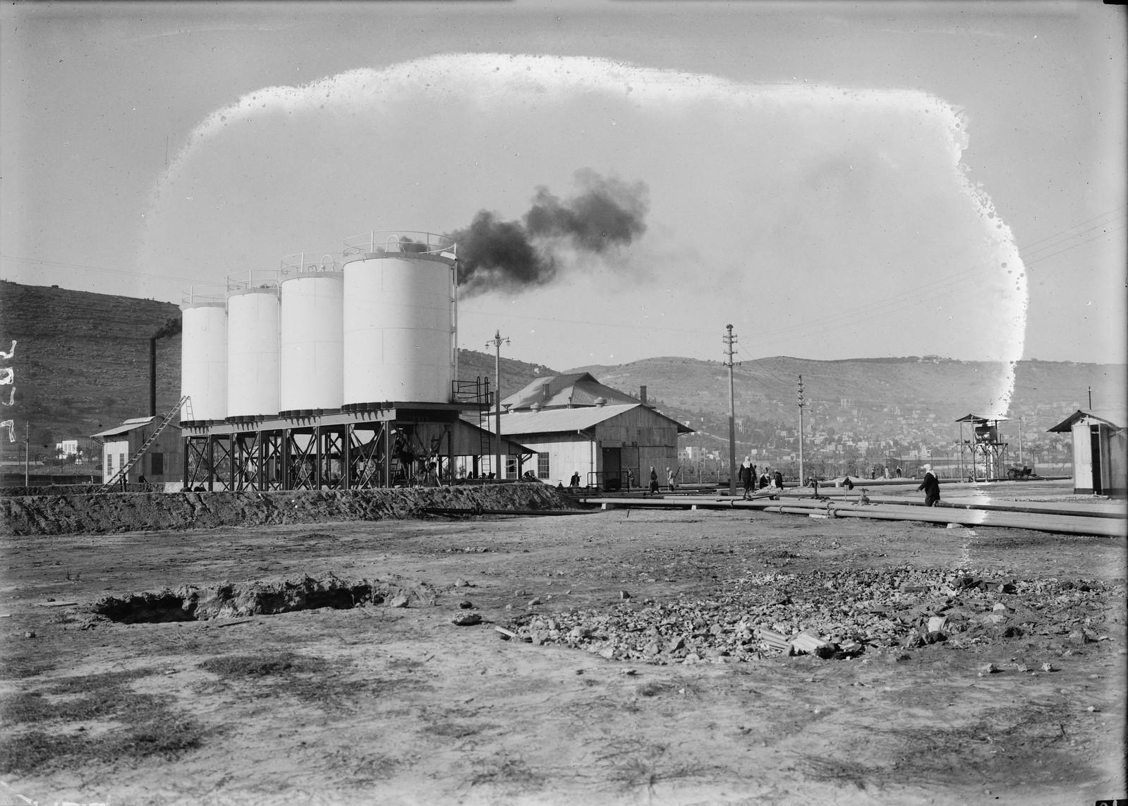 Нефтяные резервуары Шелл возле Хайфы (2)