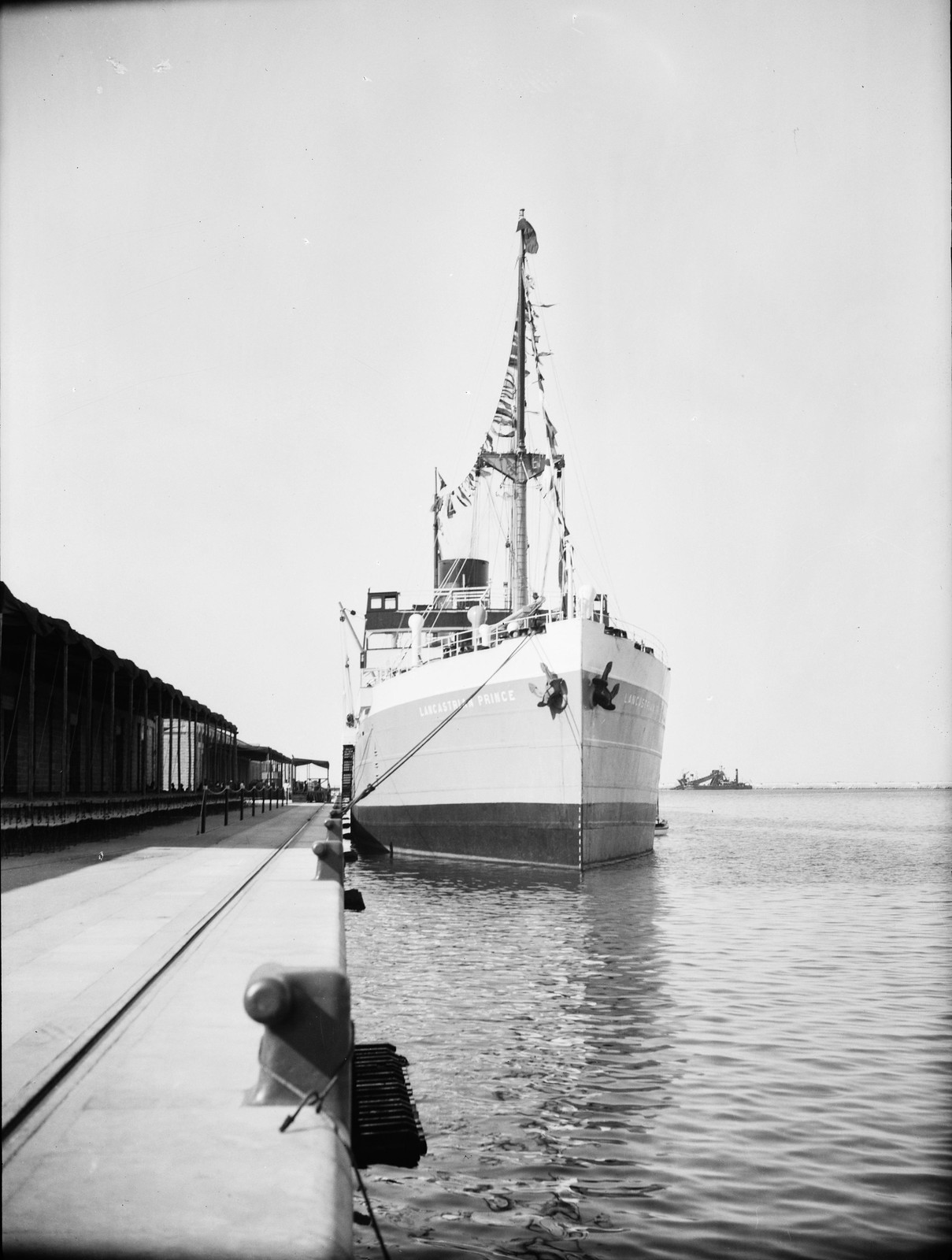 Грузовое судно «Ланкастриан Принс» в доках