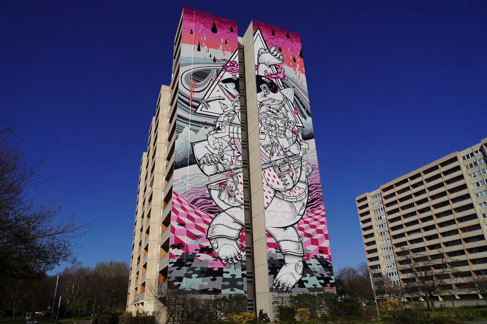 On-tiptoes-Mural-How-Nosm