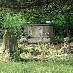 Tooting graveyard