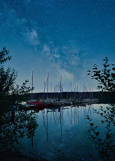Milkyway over the lake 2