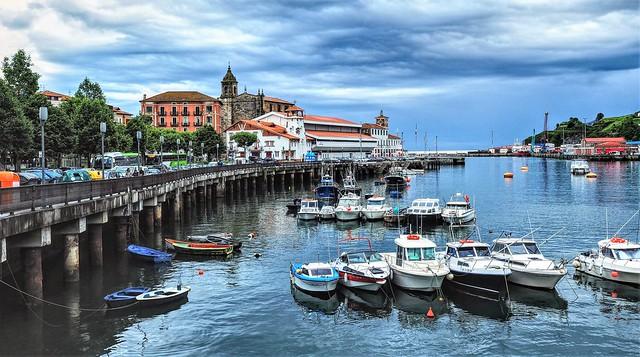 Puerto de Bermeo.  Vizcaya.