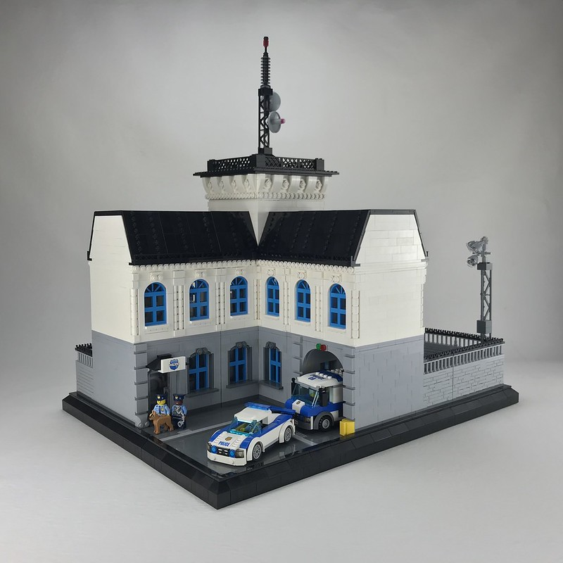 Snottingen Police Station, front side