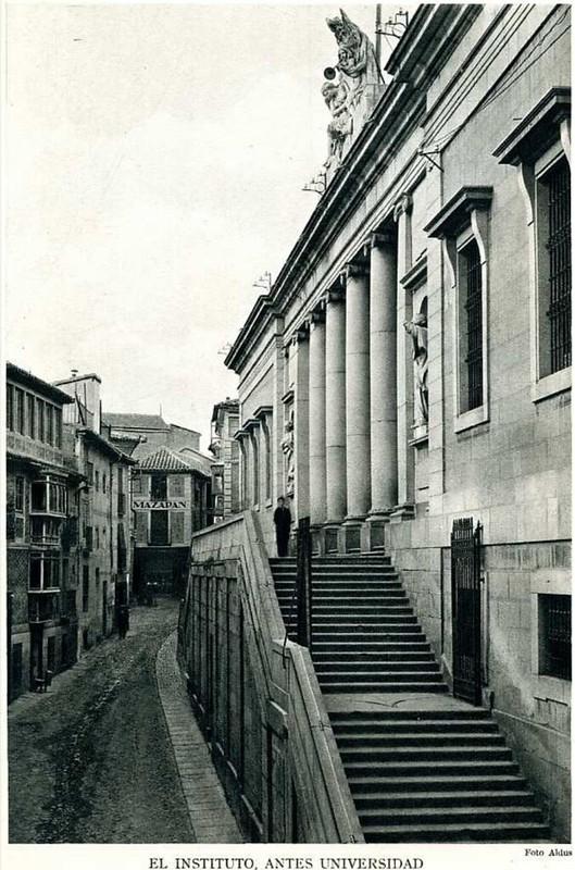Instituto o Palacio Universitario del Cardenal Lorenzana en los años 20. Foto Aldus.