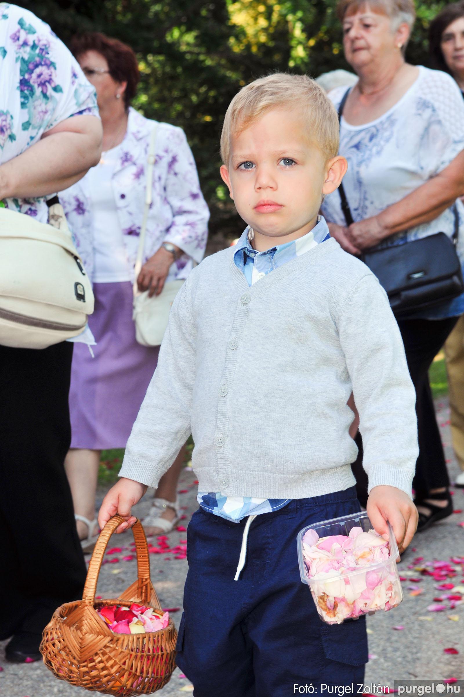 2020.06.14. 012 Úrnapi körmenet a Kisboldogasszony Templomnál - Fotó:PURGEL ZOLTÁN© D3K_7666q.jpg