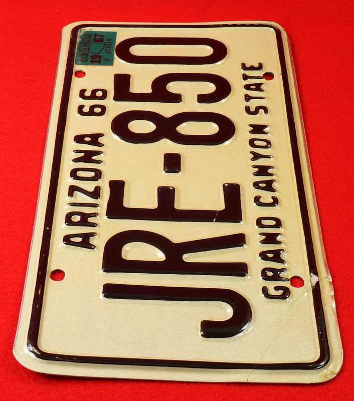 RD30315 Vintage 1966 Arizona License Plate JRE-850 Grand Canyon State DSC07829