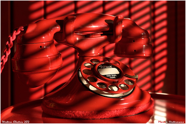 DT3-1811 Western Electric 202 red