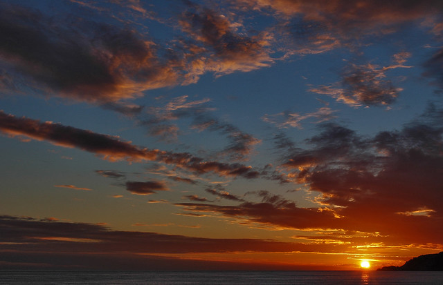 sunrise from my balcony 28.12. 07