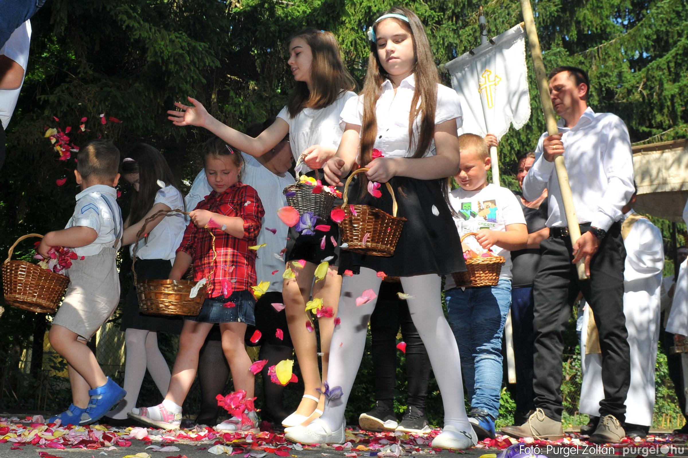2020.06.14. 017 Úrnapi körmenet a Kisboldogasszony Templomnál - Fotó:PURGEL ZOLTÁN© D3K_7682q.jpg
