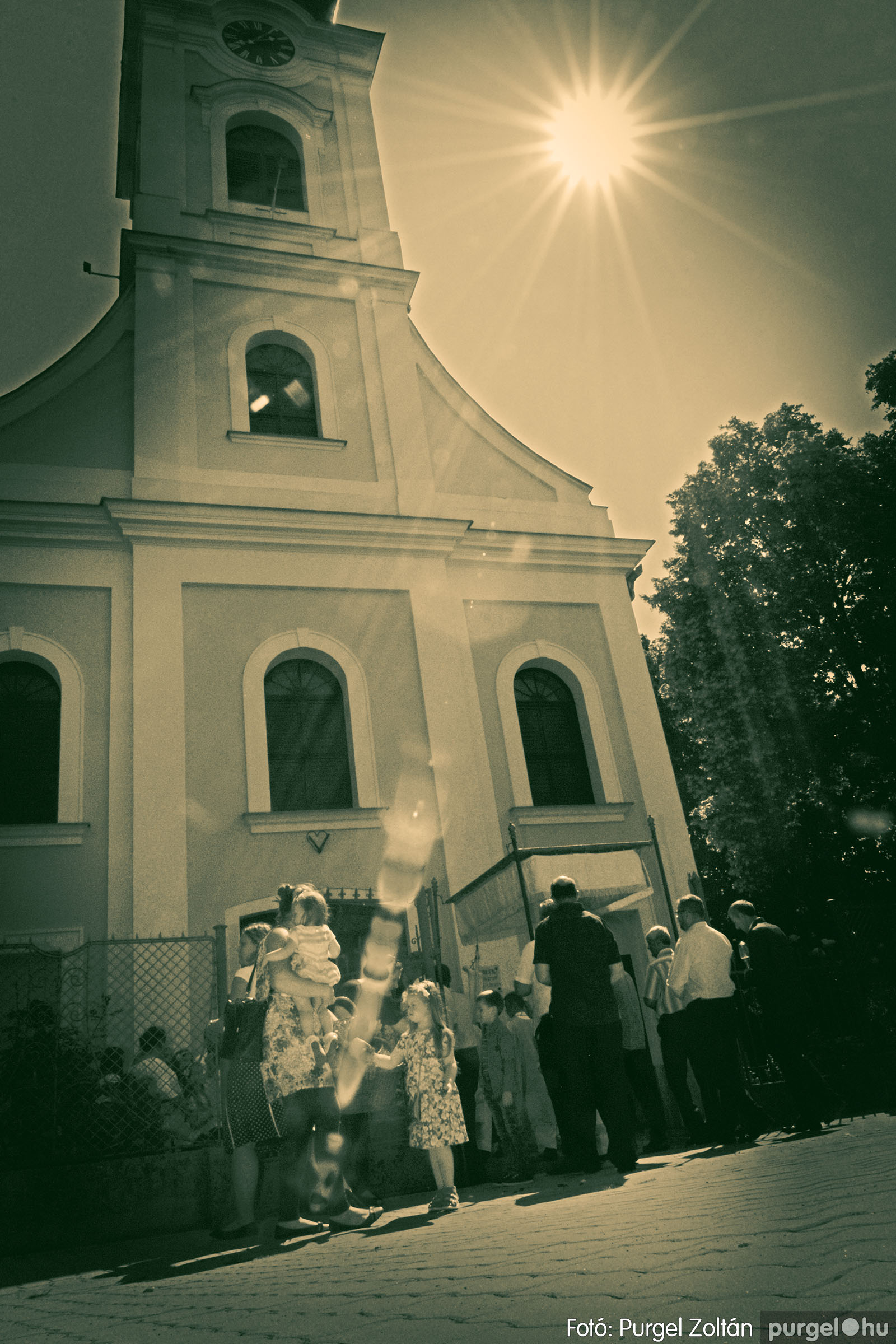 2020.06.14. 031 Úrnapi körmenet a Kisboldogasszony Templomnál - Fotó:PURGEL ZOLTÁN© D3K_7720q.jpg