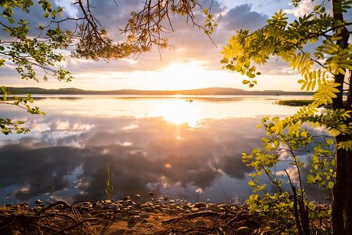 suomi finland jyväskylä leppälahti nature amazing earth landscape sunset lake view trees forest beach sun clouds reflections nikon d750 tamron 2470mm evening beautiful