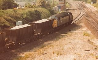 Scan 332 40091 on a Tunstead-Oakleigh Sidings service