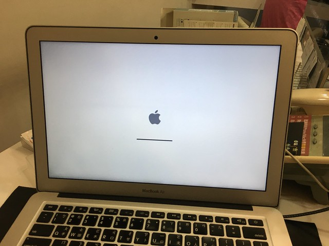 剛開始交機時我的電腦竟然停在這裡進不去作業系統Orz