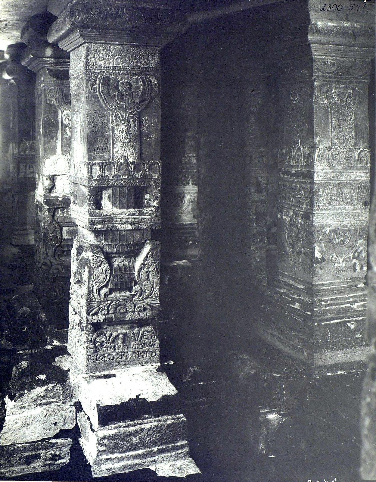 Храм Кайласа в Эллоре (детали входа) (5)