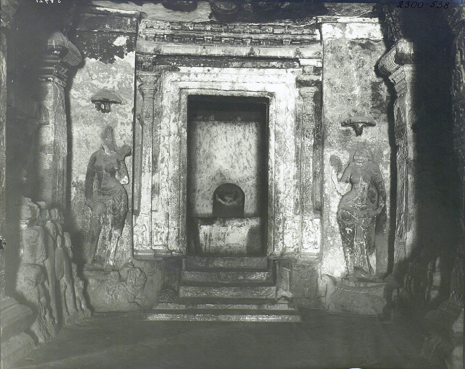 Храм Кайласа в Эллоре (детали входа) (3)