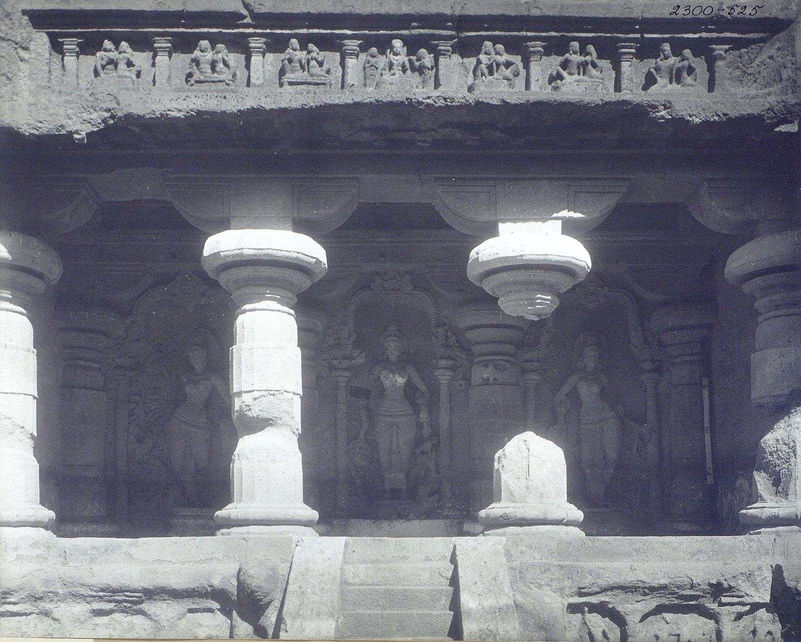 Храм Кайласа в Эллоре (детали входа) (1)