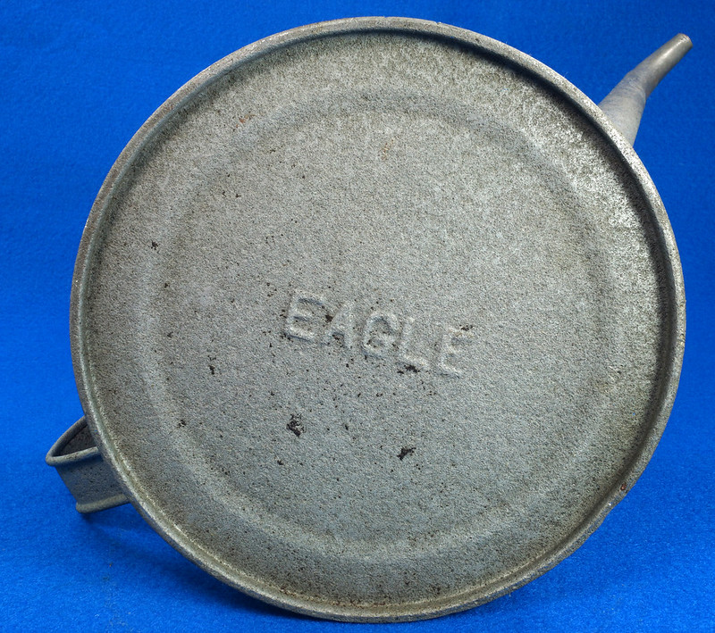 RD26372 Antique Eagle Steel Railroad Oil Fuel Can with Spout & Chained Cap DSC07986