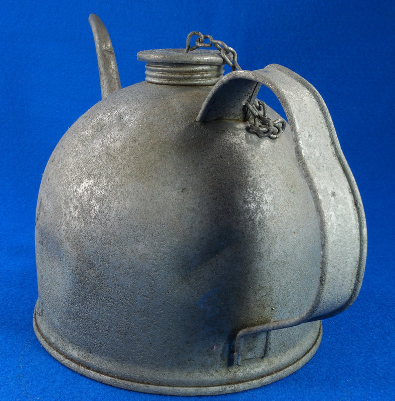 RD26372 Antique Eagle Steel Railroad Oil Fuel Can with Spout & Chained Cap DSC07983