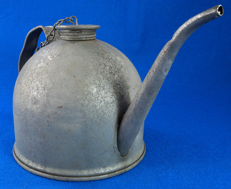 RD26372 Antique Eagle Steel Railroad Oil Fuel Can with Spout & Chained Cap DSC07981