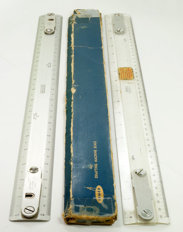 RD20980 2 Vintage 18 inch Drafting Machine Scales Vemco 9P7 in Original Box + Bruning 2710 DSC07956