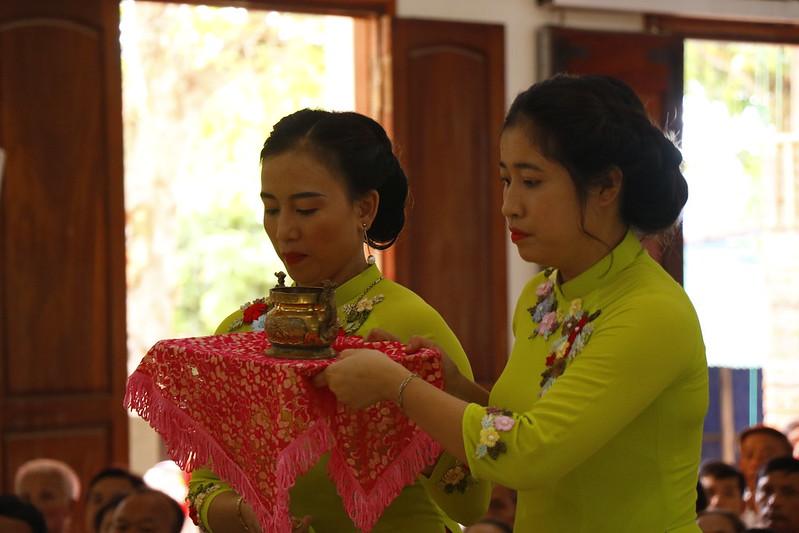 Minh Cầm (77)